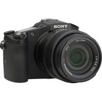 Sony Cyber-Shot DSC-RX10 - Vue de 3/4 vers la droite