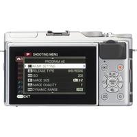 Fujifilm X-A5 + Fujinon Super EBC XC 15-45 mm OIS PZ - Vue de dos