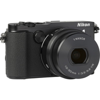 Nikon 1 V3 + 1 Nikkor VR 10-30 mm PD-Zoom - Vue de 3/4 vers la droite