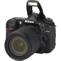 Nikon D7500 + AF-S DX Nikkor 18-105 mm G ED VR - Vue principale