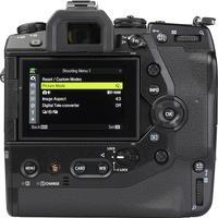 Olympus OM-D E-M1X + M. Zuiko Digital ED 12-40 mm Pro - Vue de dos