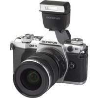 Olympus OM-D E-M5 Mark II + M. Zuiko Digital ED 12-50 mm EZ - Vue principale