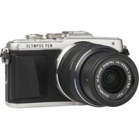 Olympus Pen E-PL7 + M. Zuiko Digital 14-42 mm II R - Vue de l'objectif