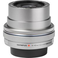 Olympus Pen E-PL7 + M. Zuiko Digital ED 14-42 mm EZ Pancake - Vue de 3/4 vers la droite