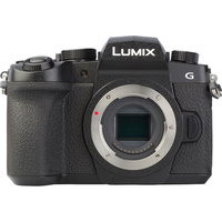 Panasonic Lumix DC-G90 + Lumix G Vario 12-60 mm Power OIS - Vue de face sans objectif