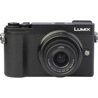 Panasonic Lumix DC-GX9 + Lumix G Vario 12-32 mm Mega OIS - Autre vue de face