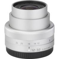Panasonic Lumix DMC-GF7 + Lumix G Vario 12-32 mm OIS - Vue de 3/4 vers la droite