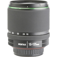 Pentax K-70 + SMC DA 18-135 mm ED AL IF DC WR - Vue de face