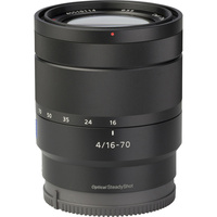 Sony ILCE-6000 + 16-70 mm SELP1670Z - Vue de 3/4 vers la droite