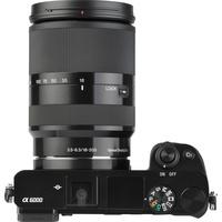 Sony ILCE-6000 + 18-200 mm SEL18200 - Vue de 3/4 vers la droite