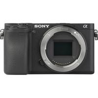 Sony ILCE-6300 + E 16-70 mm ZA OSS SEL1670Z - Vue de face sans objectif