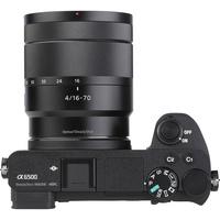 Sony ILCE-6500 + E 16-70 mm ZA OSS SEL1670Z - Vue du dessus