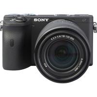 Sony ILCE-6600 + E 18-135 mm OSS SEL18135 - Vue de face