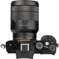 Sony ILCE-7R + 24-70 mm SEL2470Z - Vue de 3/4 vers la droite