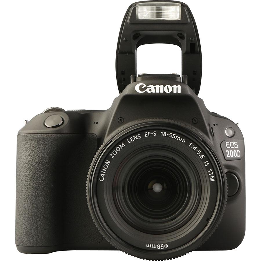 Canon EOS 200D + EF-S 18-55 mm IS STM - Vue de face