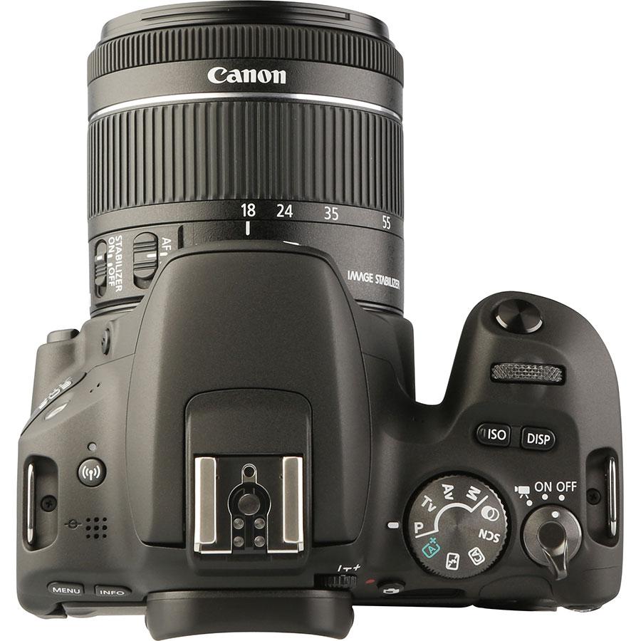 Canon EOS 200D + EF-S 18-55 mm IS STM - Vue du dessus
