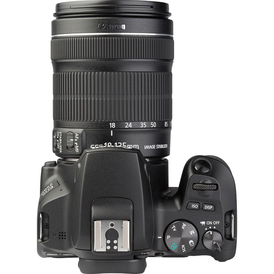 Canon EOS 250D + EF-S 18-135 mm IS STM - Vue du dessus