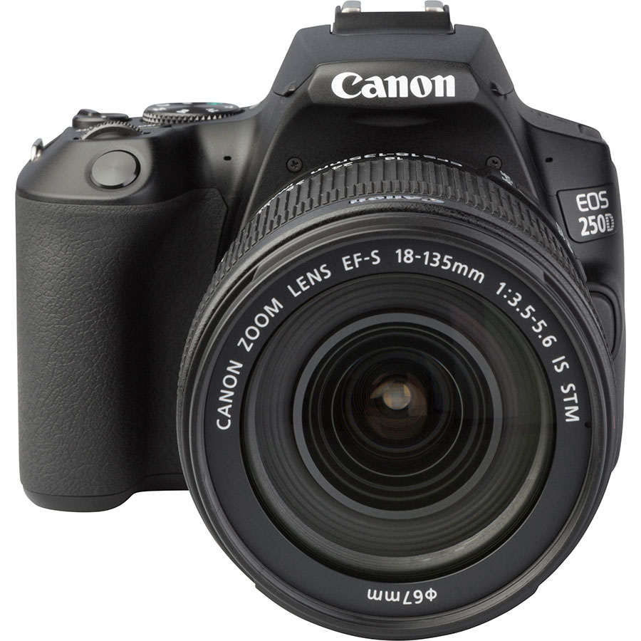 Canon EOS 250D + EF-S 18-135 mm IS STM - Autre vue de face