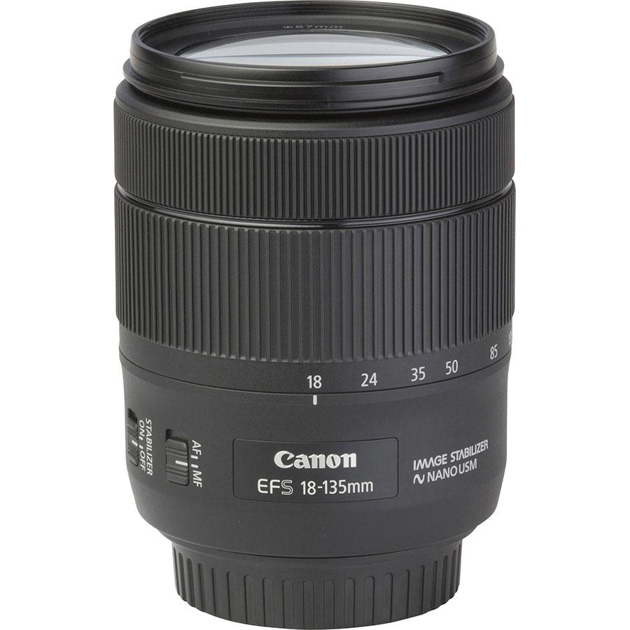 Canon EOS 77D + EF-S 18-135 mm IS USM - Vue de l'objectif