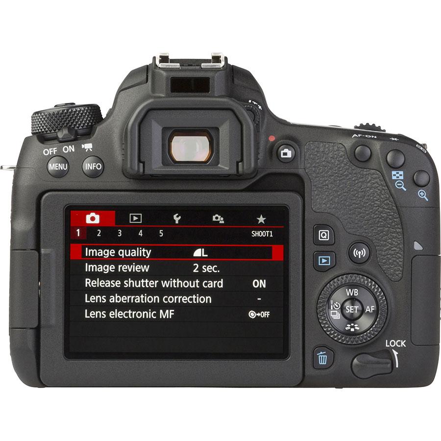 Canon EOS 77D + EF-S 18-55 mm IS STM - Vue de dos