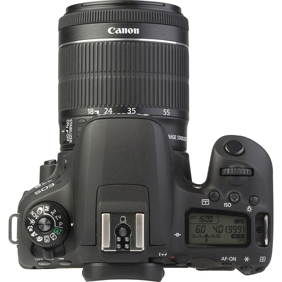 Canon EOS 77D + EF-S 18-55 mm IS STM - Vue du dessus