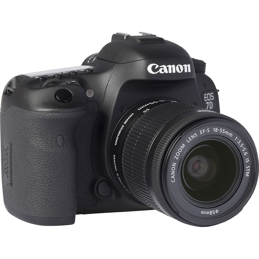 Canon EOS 7D Mark II + EF-S 18-55 mm IS STM - Vue de 3/4 vers la droite