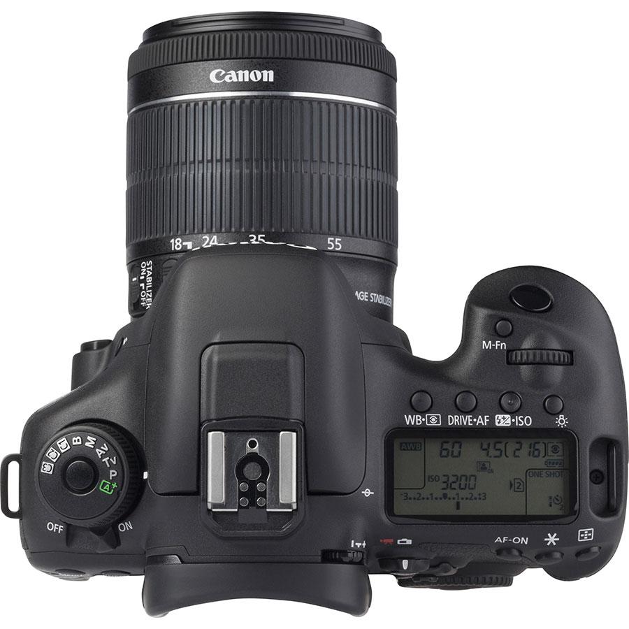 Canon EOS 7D Mark II + EF-S 18-55 mm IS STM - Vue du dessus