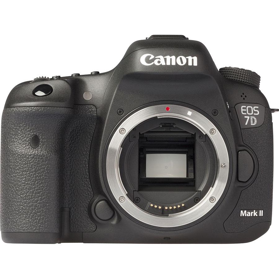 Canon EOS 7D Mark II + EF-S 18-55 mm IS STM - Vue de face sans objectif