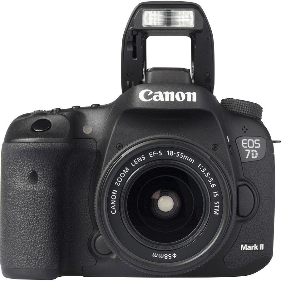 Canon EOS 7D Mark II + EF-S 18-55 mm IS STM - Vue de face