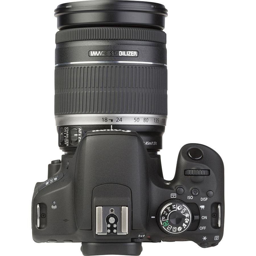 Canon EOS 800D + EF-S 18-200 mm IS - Vue du dessus