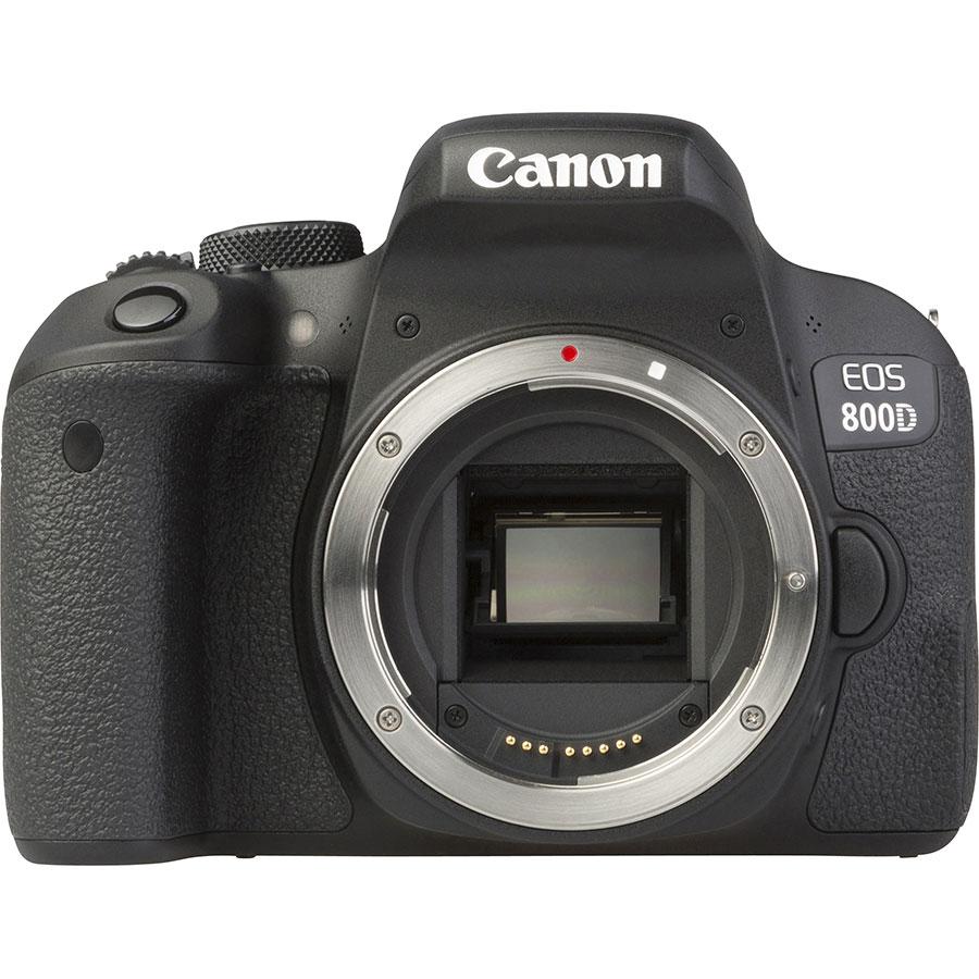 Canon EOS 800D + EF-S 18-55 mm F4-5,6 IS STM - Vue de face sans objectif