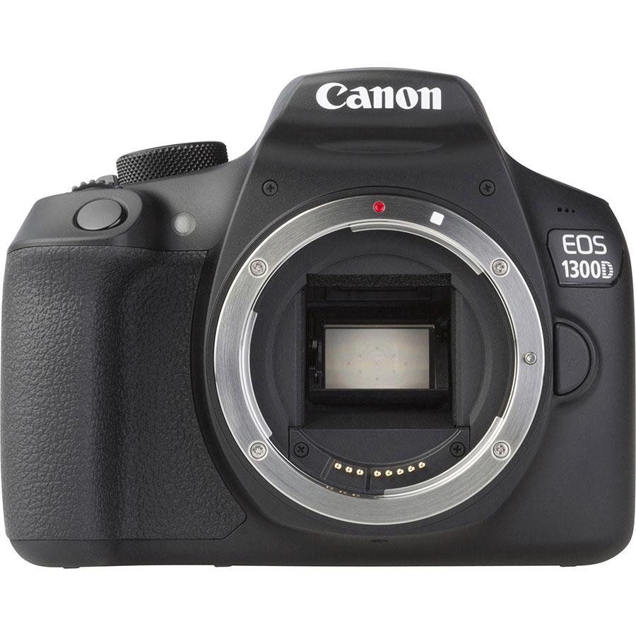 Canon EOS 80D + EF-S 18-135 mm IS USM - Vue de face sans objectif