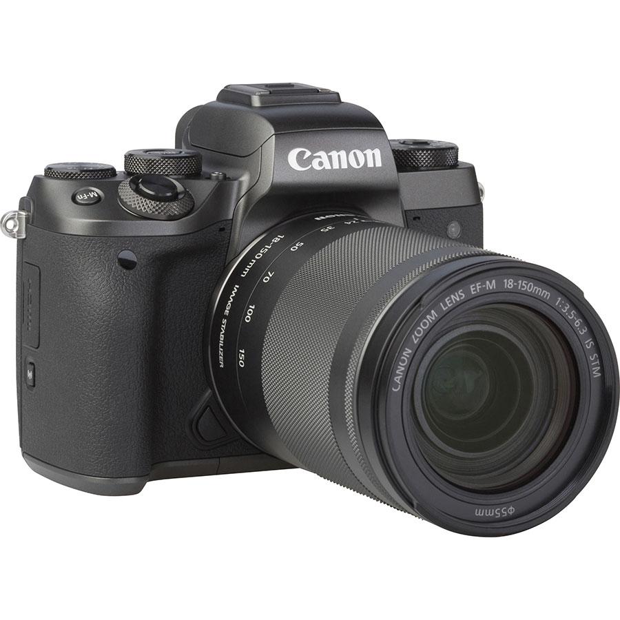 Canon EOS M5 + EF-M 18-150 mm IS STM - Vue de 3/4 vers la droite