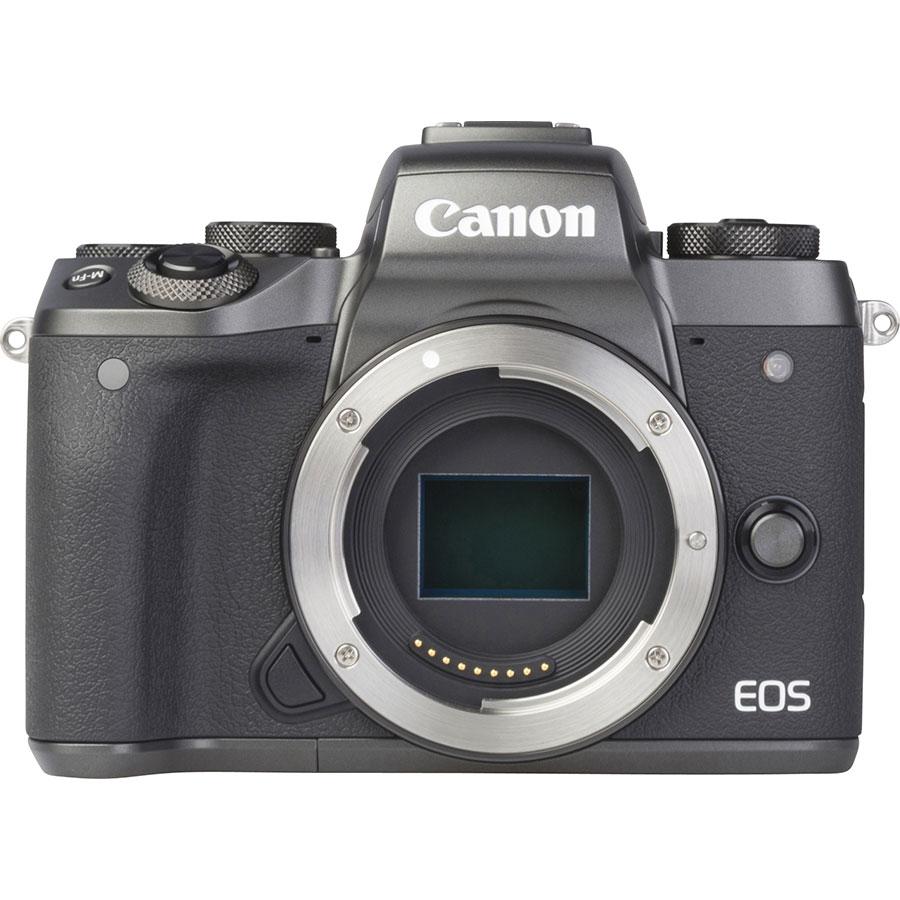 Canon EOS M5 + EF-M 18-150 mm IS STM - Vue de face sans objectif