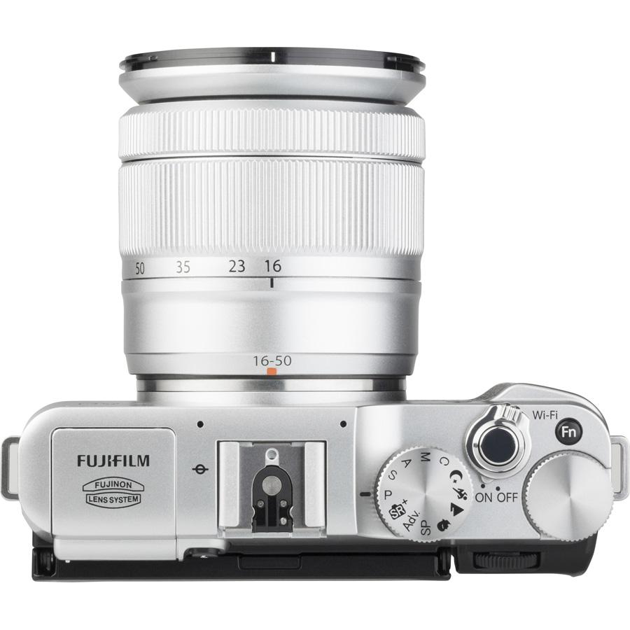 Fujifilm X-A2 + Fujinon Super EBC XC 16-50 mm OIS II - Vue de face sans objectif