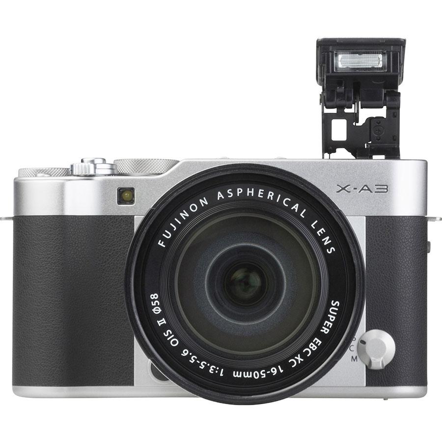Fujifilm X-A3 + Fujinon Super EBC XC 16-50 mm OIS II - Vue de face
