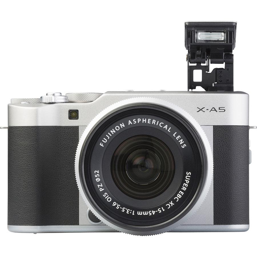 Fujifilm X-A5 + Fujinon Super EBC XC 15-45 mm OIS PZ - Vue de face
