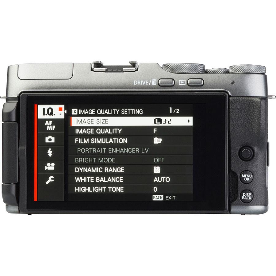 Fujifilm X-A7 + Fujinon Super EBC XC 15-45 mm OIS PZ - Vue de dos