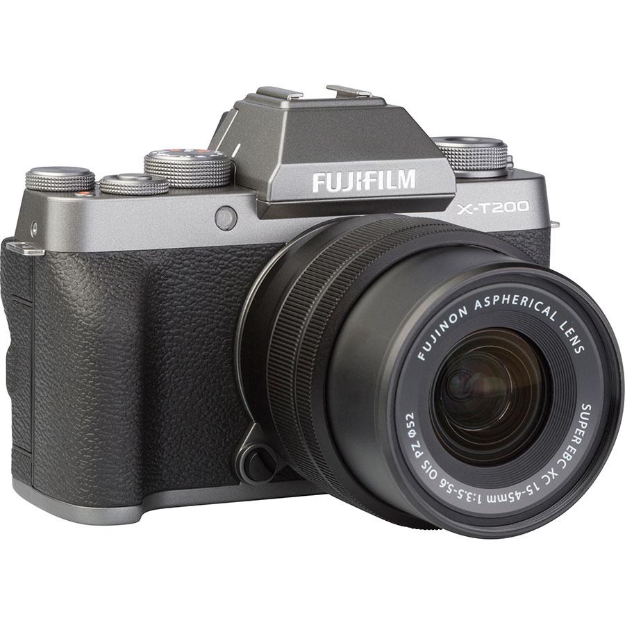 Fujifilm X-T200 + Fujinon Super EBC XC 15-45 mm OIS PZ - Vue de 3/4 vers la droite