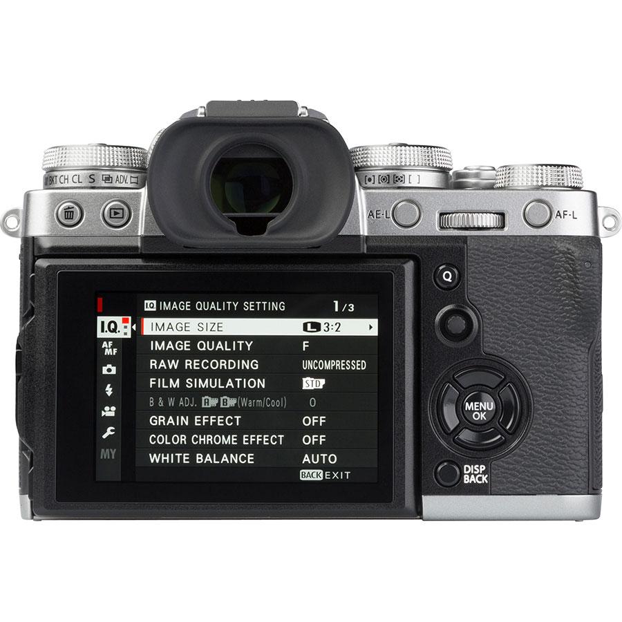 Fujifilm X-T3 + Fujinon Super EBC XF 18-55 mm R LM OIS - Vue de dos