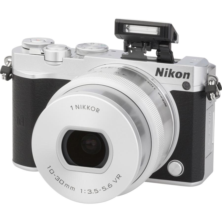 Nikon 1 J5 + 1 Nikkor VR 10-30 mm ED IF PD-Zoom - Vue principale