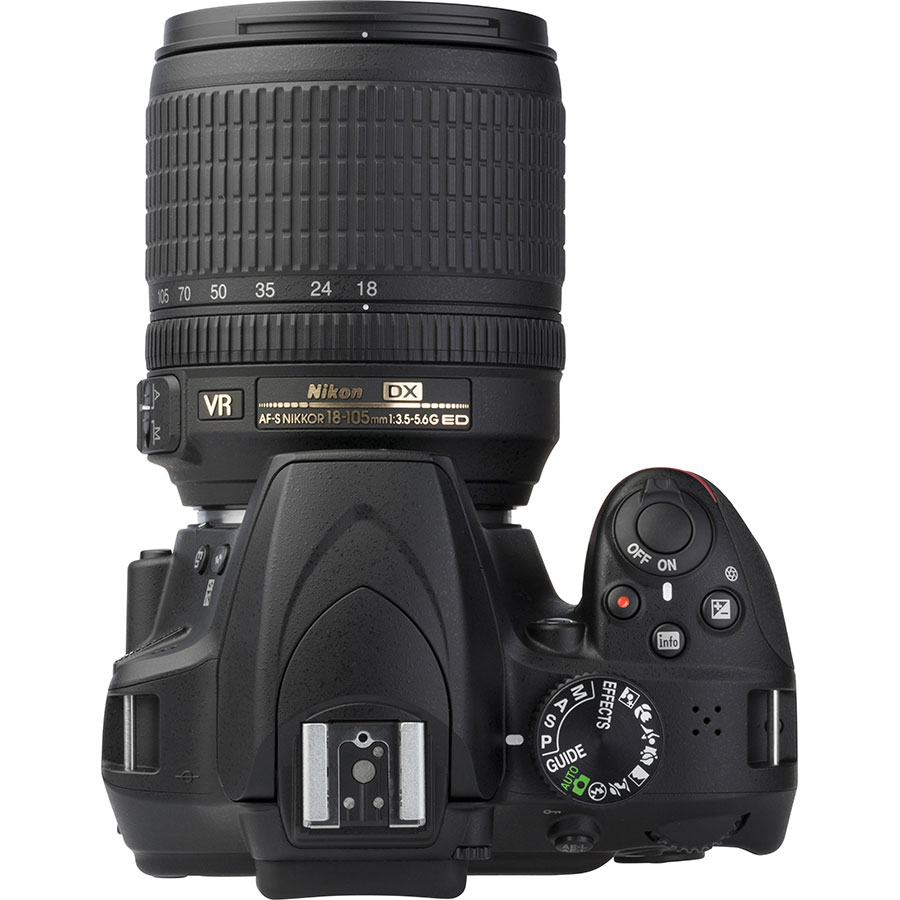 Nikon D3400 + AF-S DX Nikkor 18-105 mm G ED VR - Vue du dessus