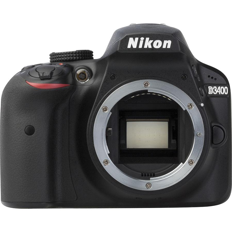 Nikon D3400 + AF-S DX Nikkor 18-105 mm G ED VR - Vue de face sans objectif
