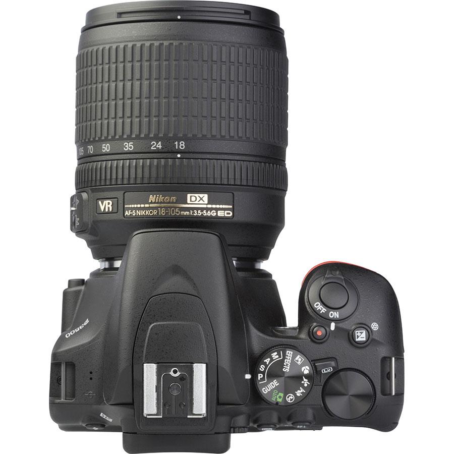 Nikon D3500 + AF-S DX Nikkor 18-105 mm G ED VR - Vue du dessus
