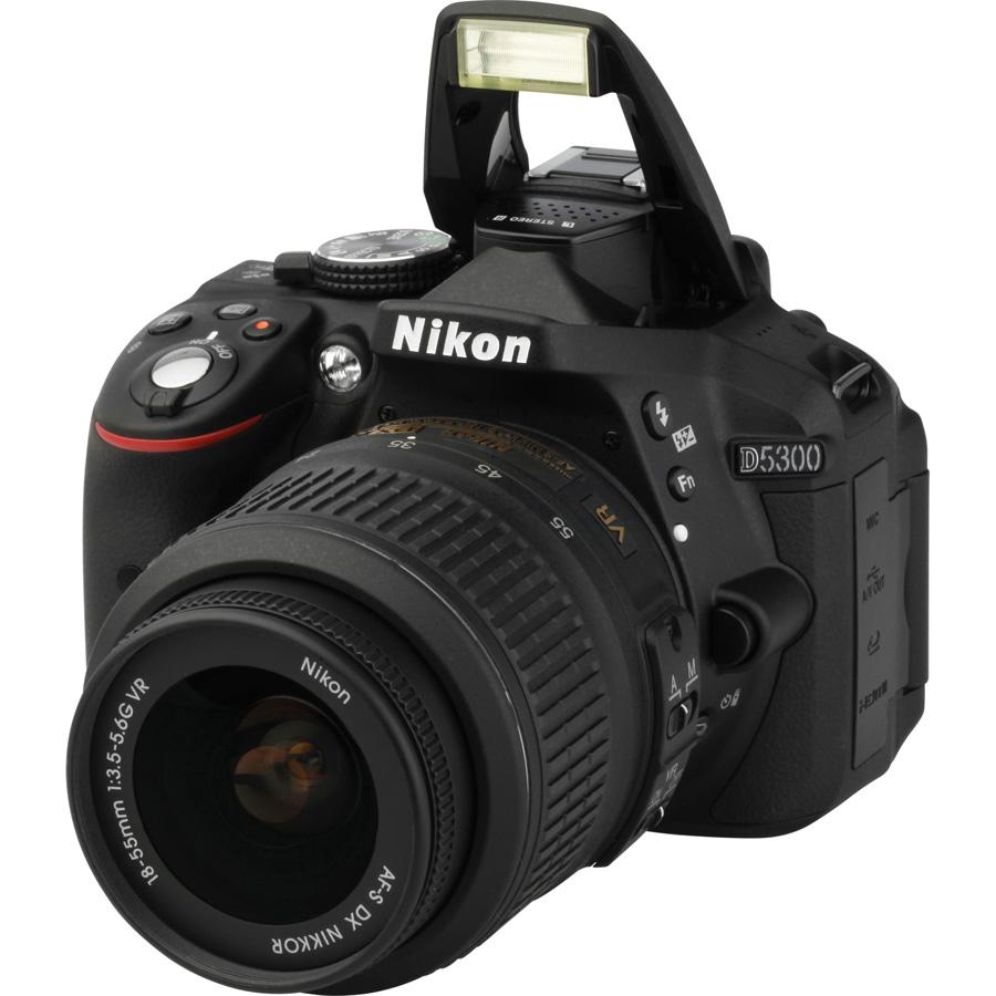 Nikon D5300 + AF-S DX Nikkor 18-55 mm G VR - Vue principale