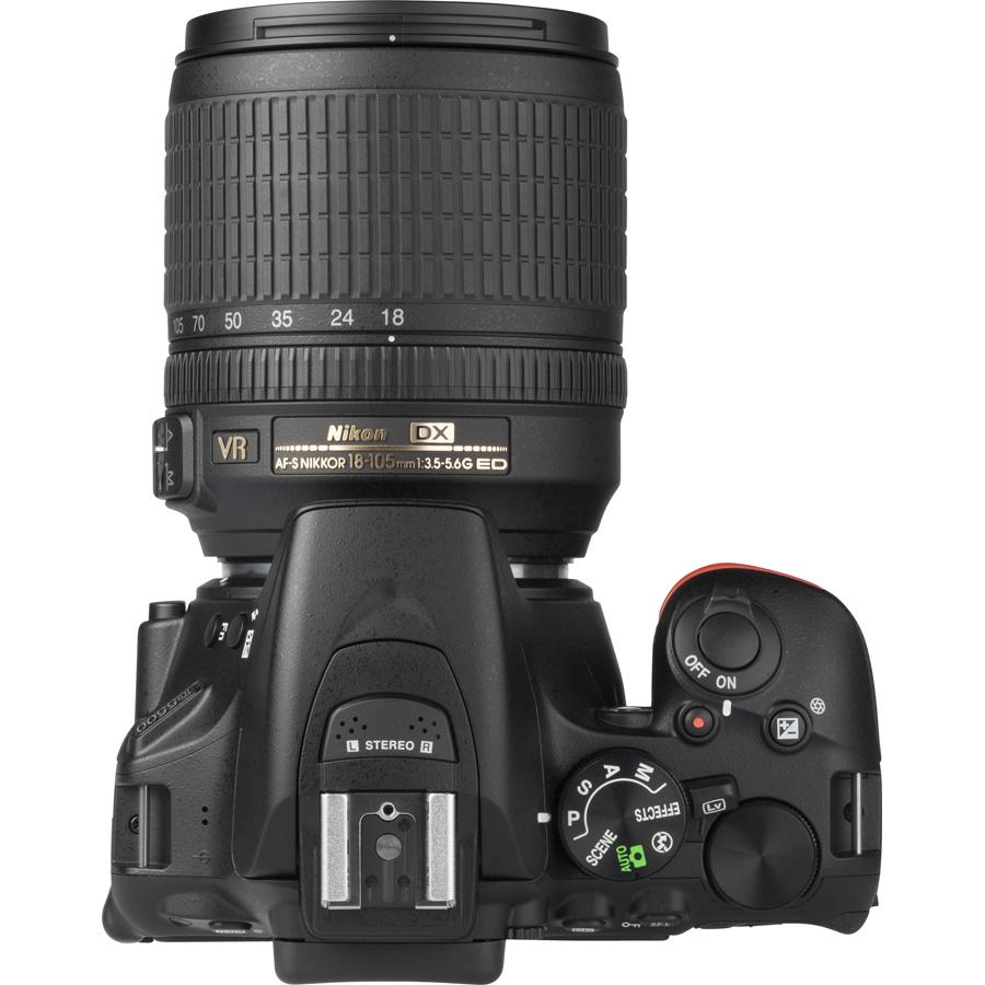 Nikon D5500 + AF-S DX Nikkor 18-105 mm G ED VR - Vue du dessus