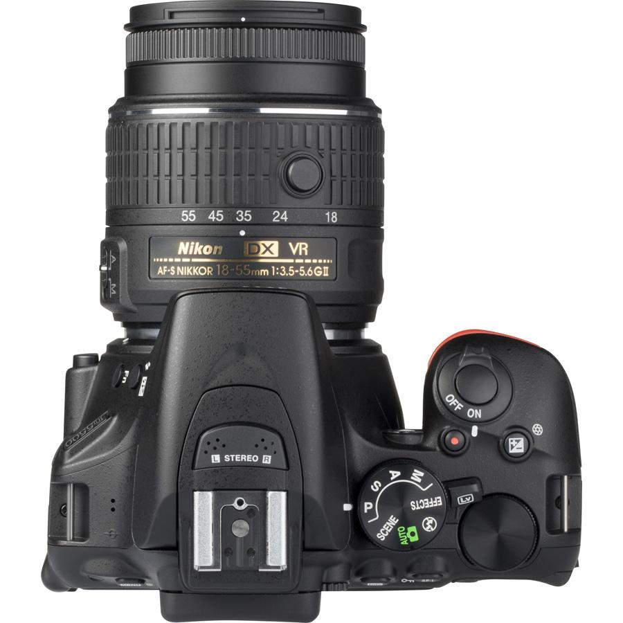 Nikon D5500 + AF-S DX Nikkor 18-55 mm G VR II - Vue du dessus