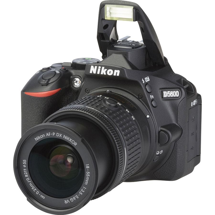 Nikon D5600 + AF-P DX Nikkor 18-55 mm G VR - Vue principale