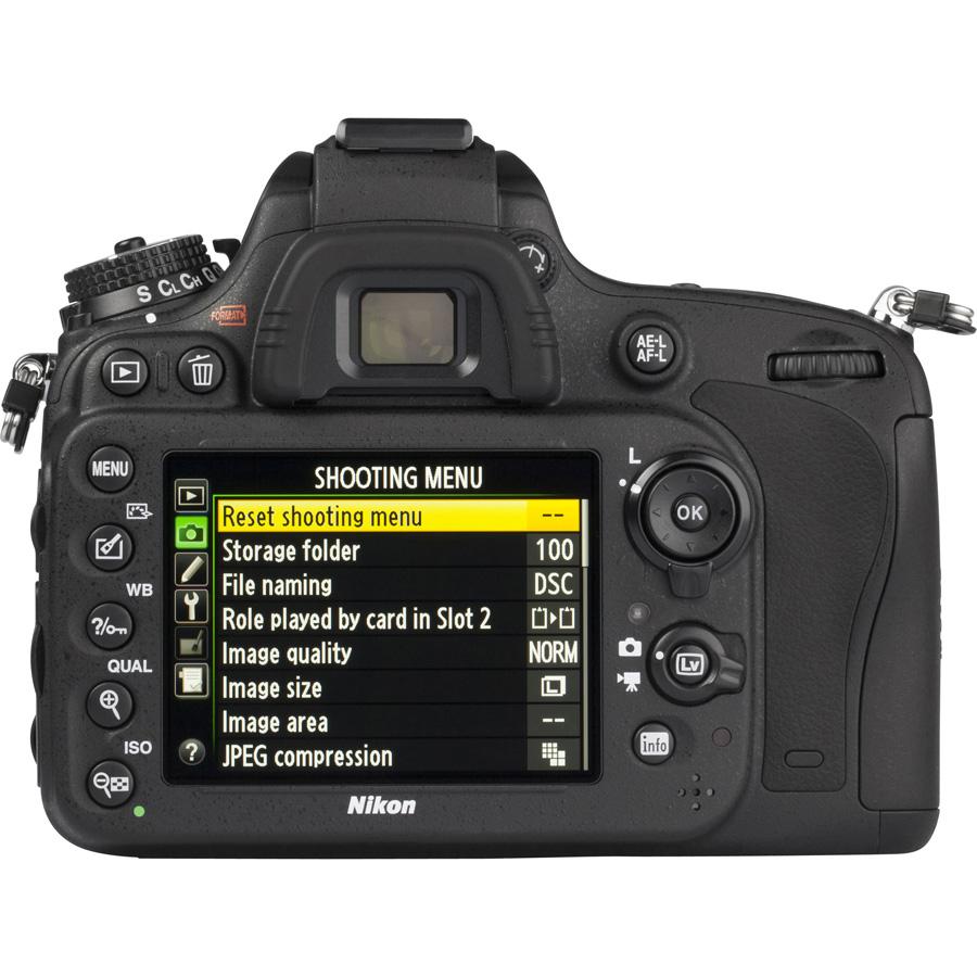 Nikon D610 + AF-S 24-85 mm G ED VR - Vue de dos