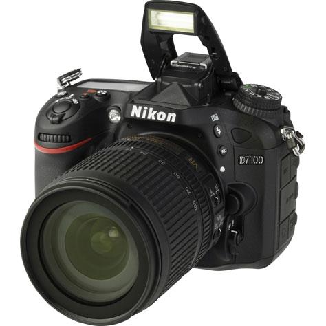 Nikon D7100 + AF-S DX 18-105 mm G ED VR - Vue principale